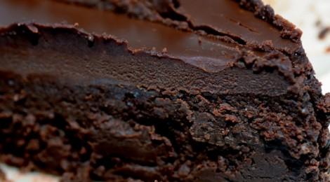 Chocoladetaart met abrikozenmoes